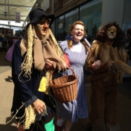 Costume Characters Wizard Of Oz Shopping Entertainment